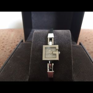 $1,795 Gucci Stainless Stl Diamond Dial Lady Watch